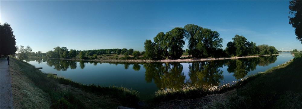 La Loire sur le quai madeleine à Orléans
